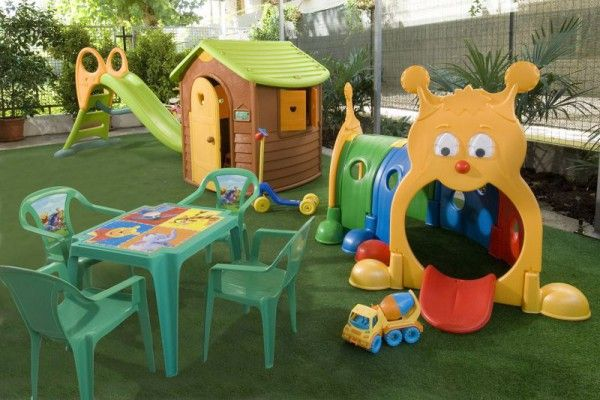 Area bambini con giochi